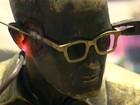 Óculos da estátua de Drummond, no Rio, são reparados por R$ 15 mil