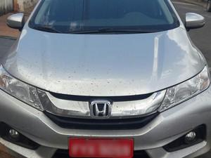 Táxi foi roubado por casal em Mirante do Paranapanema (Foto: Polícia Militar/Cedida)
