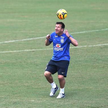 Dunga, treino Brasil (Foto: Bruno Domingos / Mowa press)