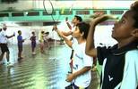 Crianças vítimas da tragédia no Morro do Bumba, em Niterói, recomeçam através do badminton (Felipe Zito)