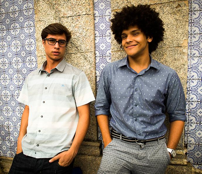 Filipe e BB cheios de pose na igreja (Foto: João Miguel Júnior/Globo)