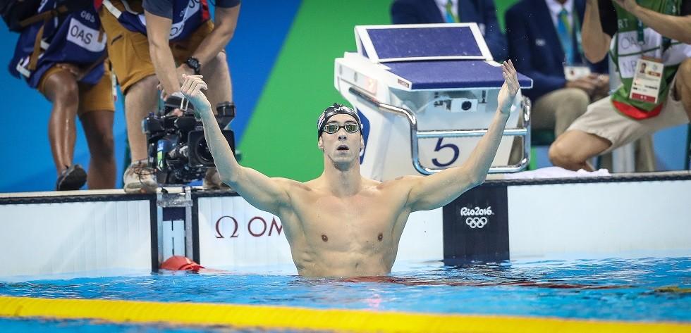 Phelps comemora a vitória nos 200 metros de borboleta (Foto: Ricardo Nogueira)