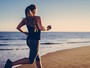 Conheça cinco perigos escondidos na areia da praia e se cuide neste verão