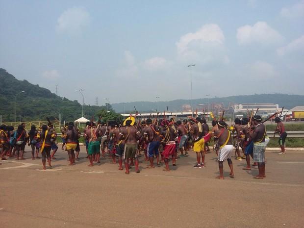 Índios Xikrins e Kayapós protestam contra a Mineração Onça Puma, em Ourilândia do Norte  (Foto: Terra dos ìndios Xikrim)