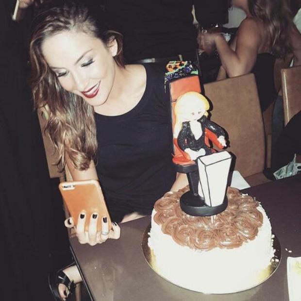 Claudia Leitte comemora aniversário em restaurante em Salvador, na Bahia (Foto: Instagram/ Reprodução)