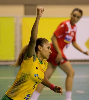 Alexandra Nascimento handebol Brasil (Foto: Cinara Piccolo/Photo&Grafia)