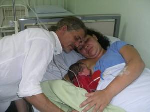 Mãe e bebê passam bem após cesariana forçada em Torres, litoral do RS (Foto: Arquivo Pessoal)