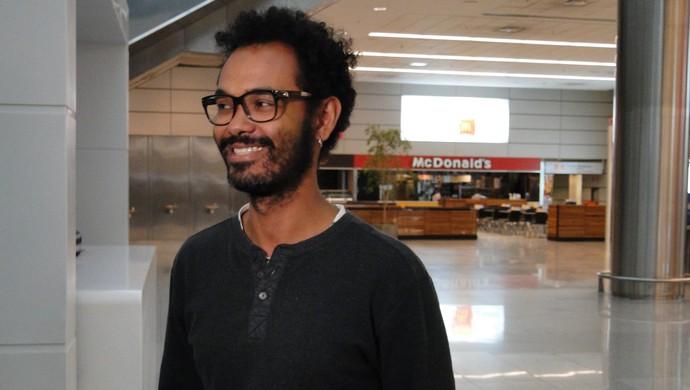 o administrador de sistemas Miguel Orlando, torcedor do Cruzeiro, foi ao aeroporto  (Foto: Tarcísio Badaró)