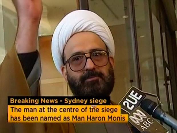 Imagem de arquivo sem data cedida pela TV australiana ABC mostra o iraniano Man Haron Monis, identificado como sequestrador do Cafe em Sydney, durante uma entrevista (Foto: ABC TV/Reuters)