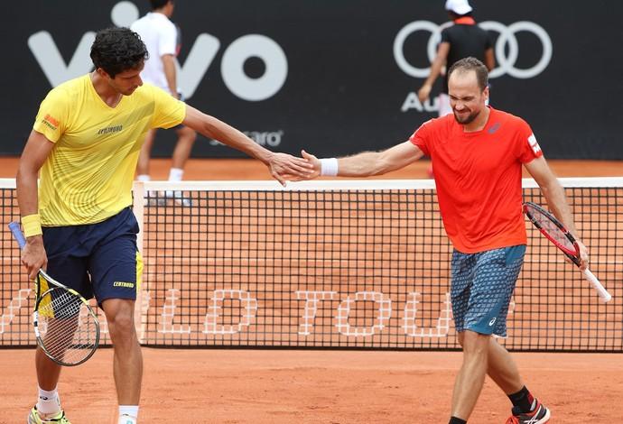 Marcelo Melo e Bruno Soares enfrentam argentinos nas quartas (Foto: Ricardo Bufolin/ECP)