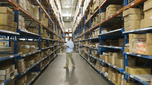 Estoque: empresários estão acumulando mais produtos (Foto: Thinkstock)