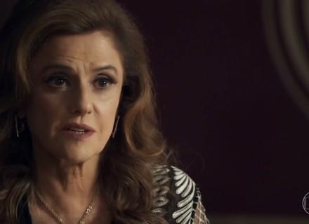 Sophia diz a Lívia que o filho de Clara agora é dela
