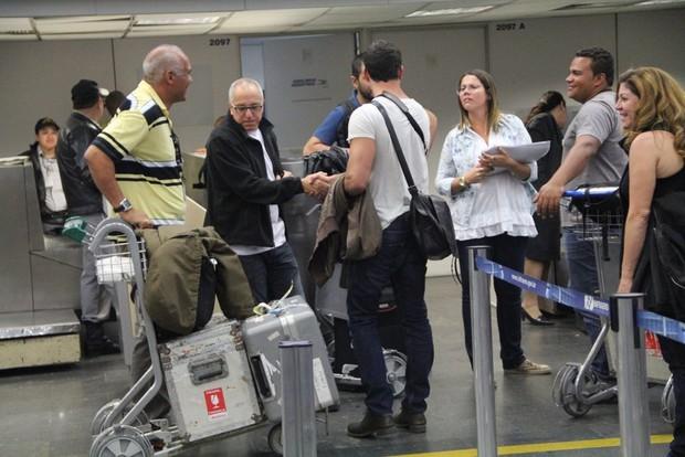 Malvino Salvador se encontra com a equipe da novela (Foto: Rodrigo dos Anjos/Ag News)