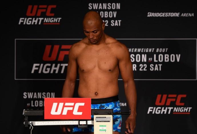 Marcos Rogério Pezão, pesagem, UFC Nashville (Foto: Getty Images)