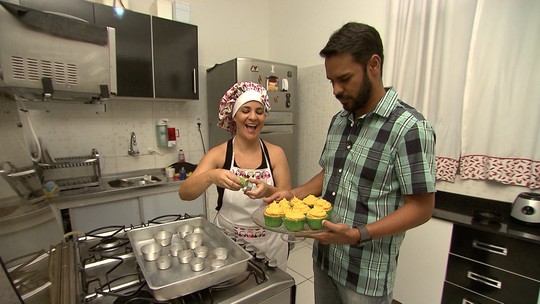 Aprenda a fazer cupcake com recheio de brigadeiro de pamonha