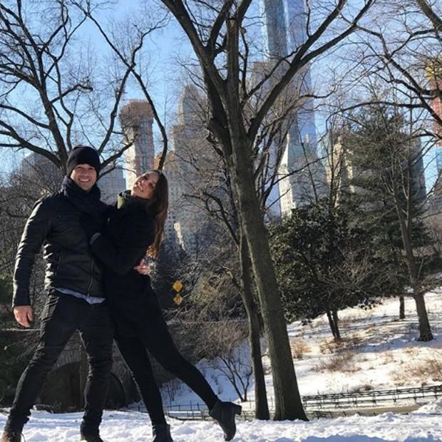 Marcos Veras e Rosanne Mulholland duranter passeio no Central Park (Foto: Reprodução/Instagram)