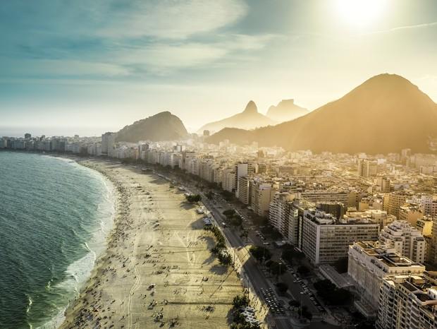 Praia de Copacabana, um dos maiores cartões-postais do Rio de Janeiro (Foto: Thinkstock)