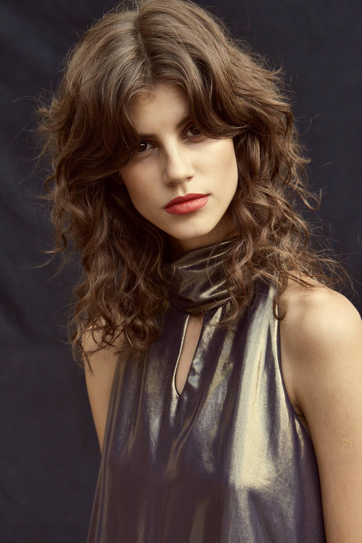 Antonina posa para a Vogue Brasil (Foto: Henrique Gendre)