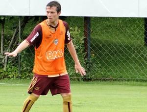 Bernard no treino do Atlético-MG (Foto: Leonardo Simonini )