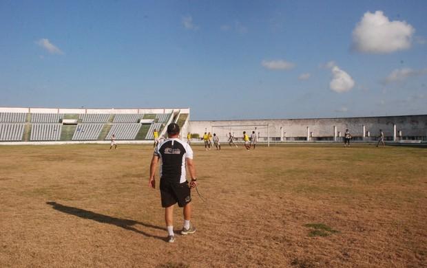 Treino do Botafogo-PB no Almeidão (Foto: Lucas Barros/ globoesporte.com)
