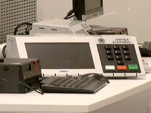 Urna eletrônica (Foto: Reprodução Globo News)