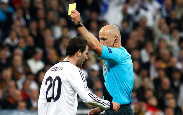 Howard Webb juiz jogo Real Madrid Borussia Dortmund (Foto: AP)