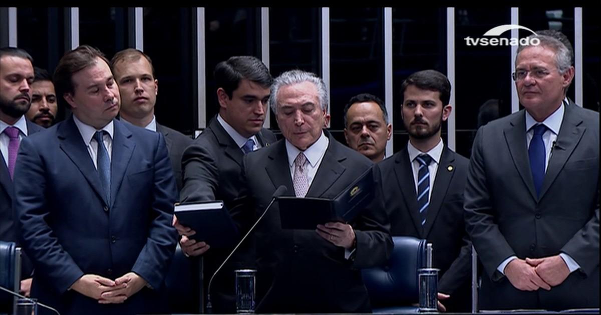 Resultado de imagem para Em cerimônia de 11 minutos, Temer é empossado presidente da República