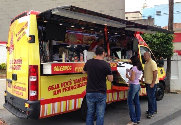Unidades da rede oferecem 32 tipos de salgado, sanduíches, doces e bebidas (Foto: Divulgação)