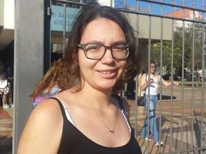 Camila Porto, 18 anos, estudou em escola pública e tenta pela segunda vez uma vaga na Unicamp (Foto: Luciano Calafiori / G1)