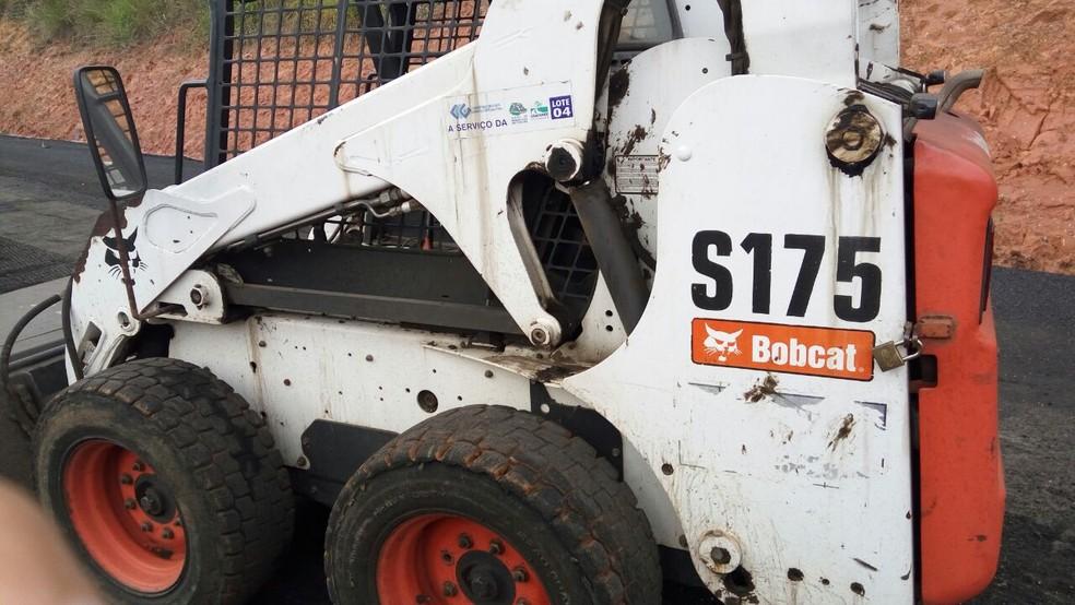 Colhedora de detritos pesa em torno de 3,5 toneladas (Foto: Arquivo pessoal)