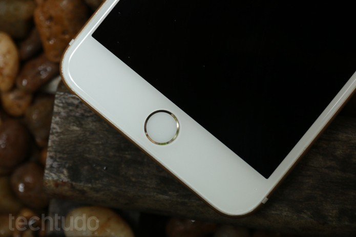 Com ajuda de célula de hidrogênio, autonomia do iPhone 6 chegou a uma semana (Foto: Lucas Mendes/TechTudo) (Foto: Com ajuda de célula de hidrogênio, autonomia do iPhone 6 chegou a uma semana (Foto: Lucas Mendes/TechTudo))