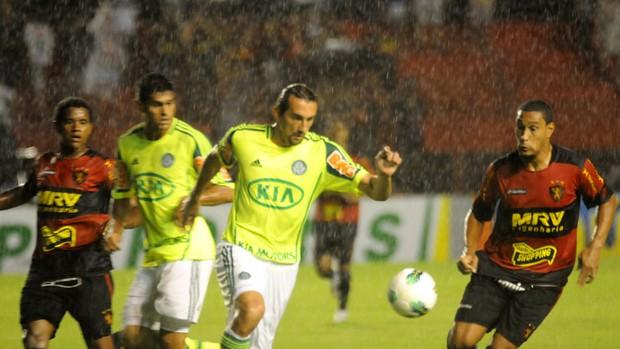 Sport x Palmeiras - Barcos - Bruno Aguiar (Foto: Aldo Carneiro/Pernambuco Press)