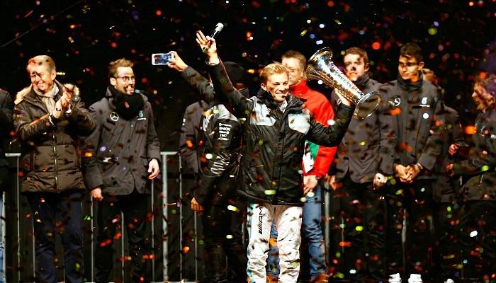 BLOG: REVEJA: Mercedes e os campeões-2016