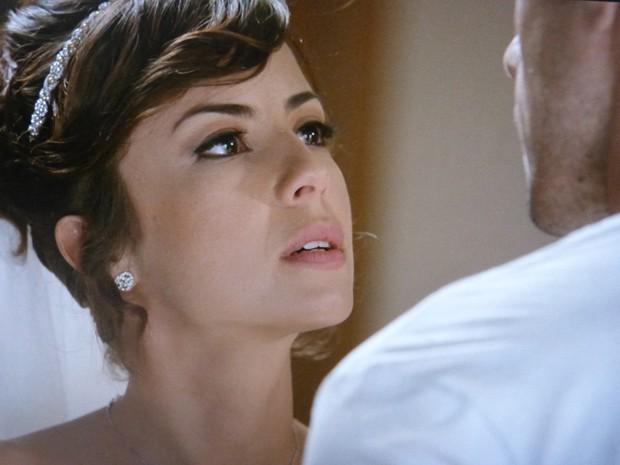 Maria Clara dá uma dura em Enrico e diz que não quer mais casar com o chef (Foto: Gshow)