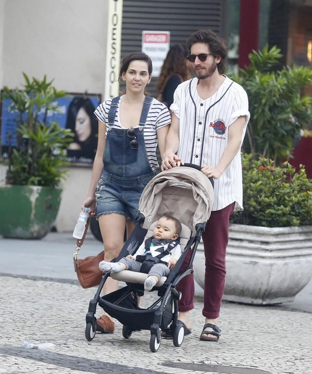 Taína Müller,  Henrique Sauer e Martin (Foto: Agnews)
