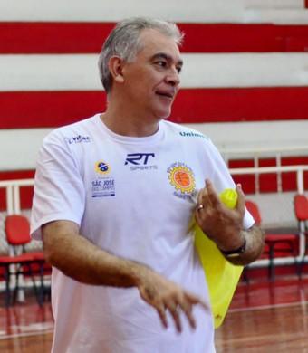 Técnico Luiz Zanon São José Basquete (Foto: Danilo Sardinha/GloboEsporte.com)
