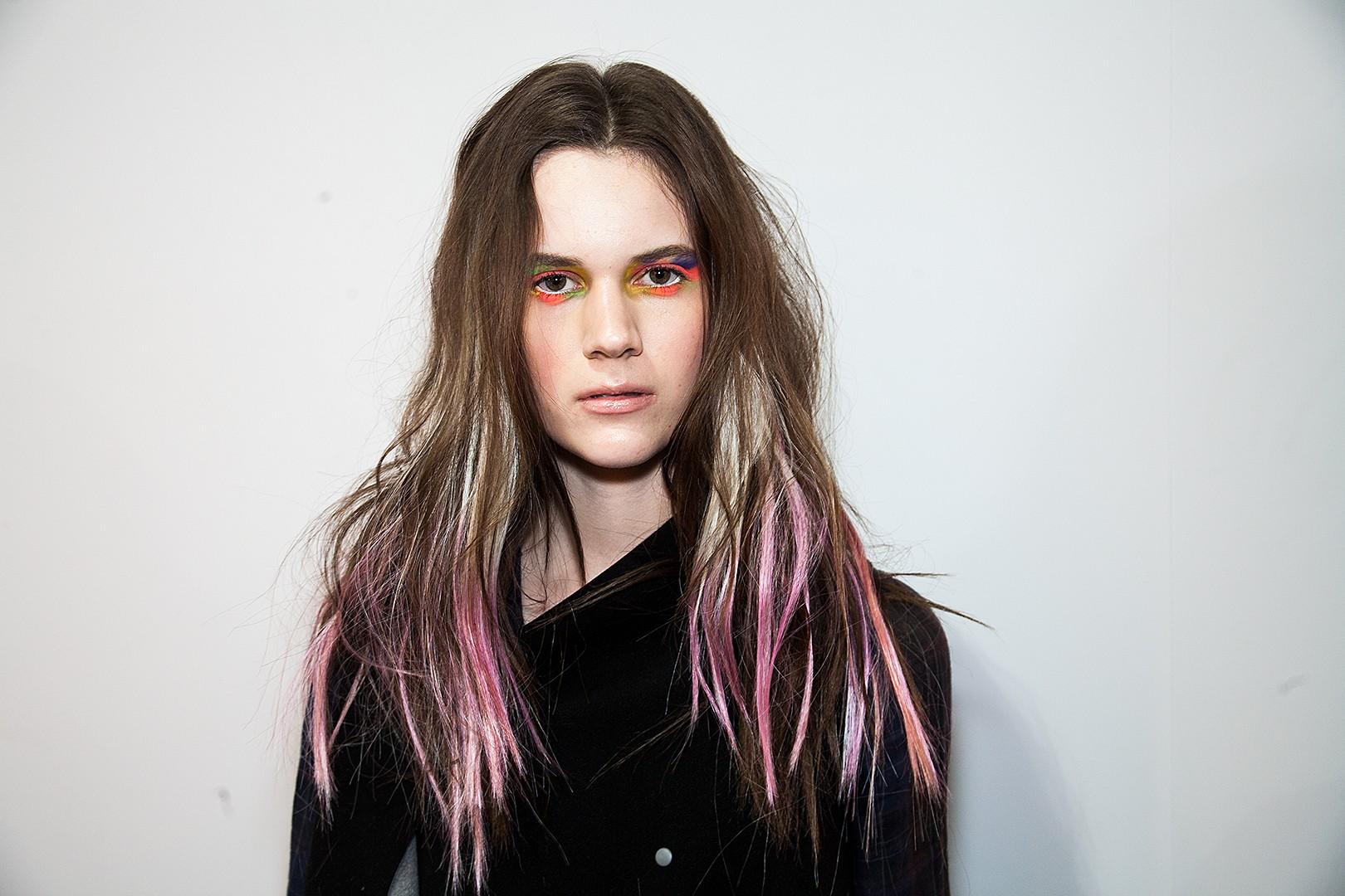 Passo a passo do cabelo colorido express (Foto: Editora Globo)