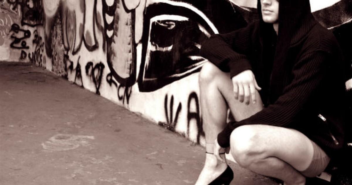 Após agressão de homofóbicos, grupo cria projeto 'Homens de Salto'