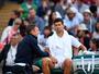 Eliminado de Wimbledon, Djokovic considera parada para tratar lesão