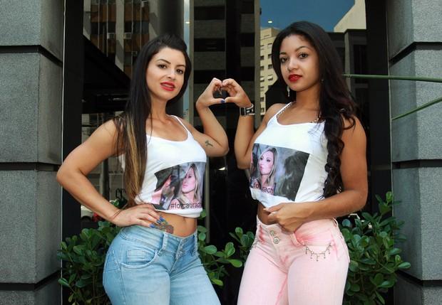 Candidatas ao Miss Bumbum vestem camiseta de apoio à Andressa Urach (Foto: Celso Tavares/EGO)