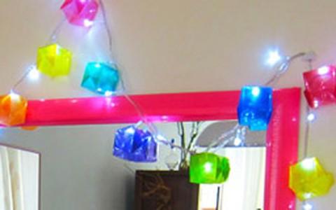 Origami vira enfeite de Natal. Veja como fazer caixinhas coloridas