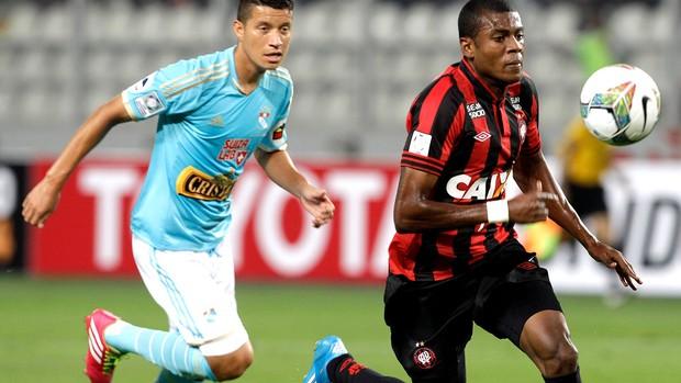Marcelo jogo Atlético-PR e Sporting Cristal pré-libertadores (Foto: AP)