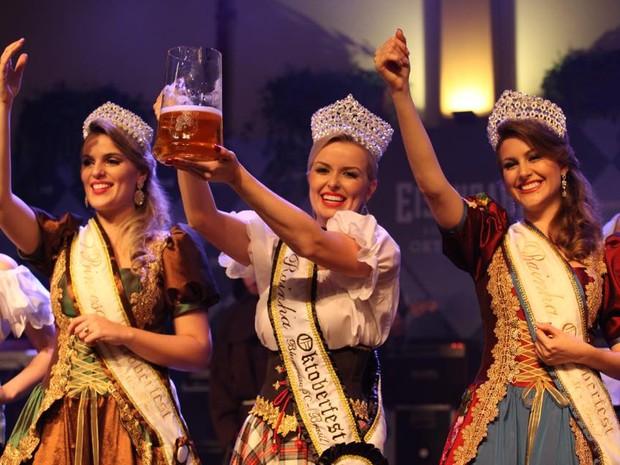 Realeza da Oktoberfest de Blumenau (Foto: Giovanni Silva/Divulgação)