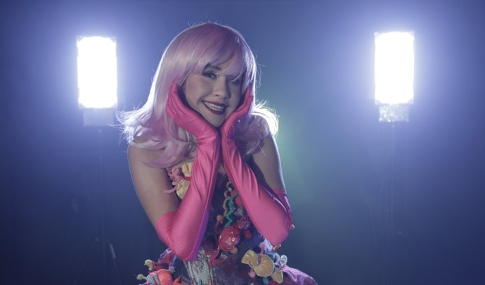 Bastidores da gravação do clipe da Vitória inspirado na Katy Perry (Foto: Reprodução / TV Diário )