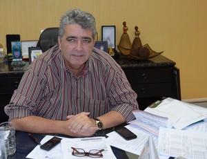 ariano wanderley na FPF (Foto: Pedro Alves / GloboEsporte.com/pb)