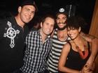 Sheron Menezzes curte festa em boate com namorado e Minotouro