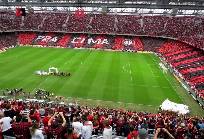 Resultado de imagem para AtléticoPR torcida na Arena da Baixada