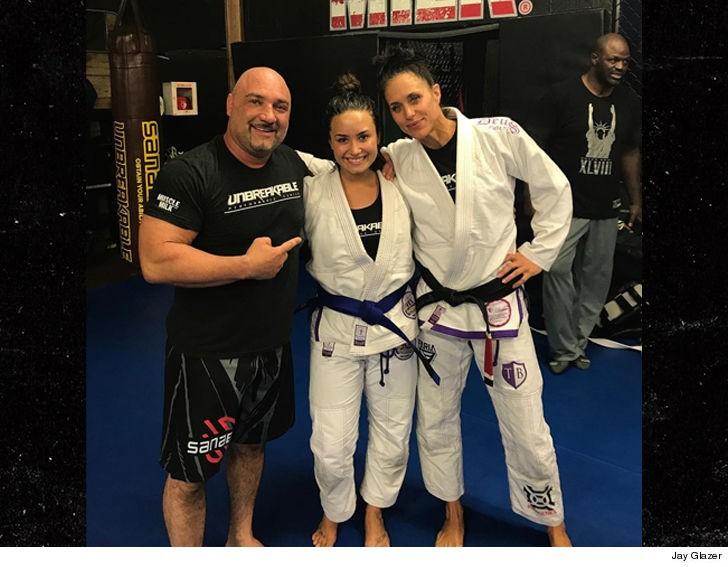 Demi Lovato na Unbreakable Gym (Foto: Instagram)