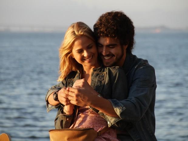 Caio Castro e Luiza Valderato em cena do filme 'Se a vida começasse agora' (Foto: Divulgação)