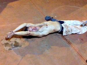 Suspeito é rendido, amarrado e agredido durante tentativa de roubo em MS (Foto: Diovane Santos/Sidrolândianews)